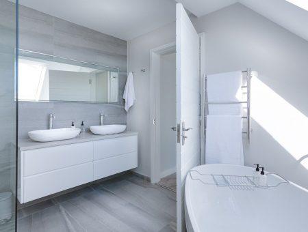 modern minimalist bathroom, bath, bathtub